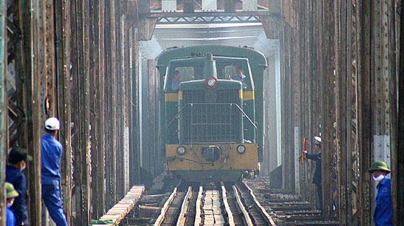 Auf der Schmalspurbahn von Haiphong nach Kunming. Bild: PHOENIX/ZDF/Le Quang