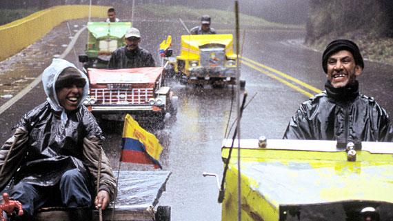 Bei jedem Wetter patrouillieren die Balineros mit ihren selbstgebauten Karren auf der höchsten und gefährlichsten Passstraße Kolumbiens - der Línea 5. Bild: ARTE / © Medienkontor FFP