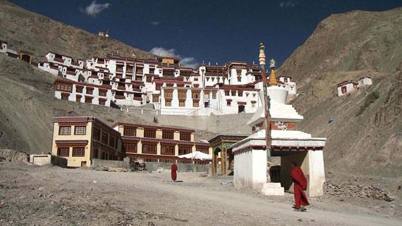 Buddhistisches Kloster in der Hochgebirgswüste Ladakh. Bild: ARTE F / © System TV