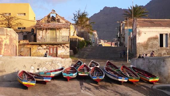 Die Kapverdischen Inseln bestechen durch ihre Vielfalt. Jede Insel unterscheidet sich landschaftlich von den anderen und hat ihr eigenes Ambiente. Bild: ARTE / © Gedeon Programmes