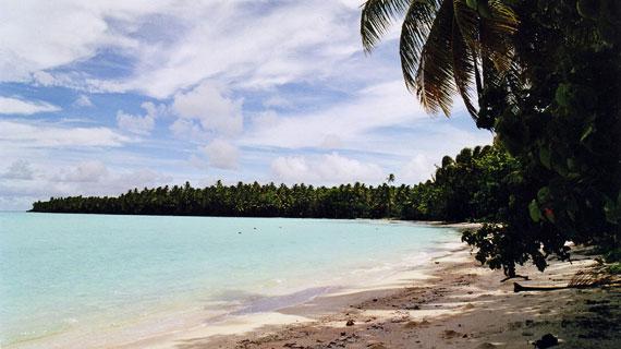 Das Schicksal von Tuvalu, einer kleinen Koralleninselgruppe im Südpazifik, deren Tage vermutlich gezählt sind, zeigt deutlich die Gefahren der Klimaveränderung. Bild: ARTE F / © Auteurs associés