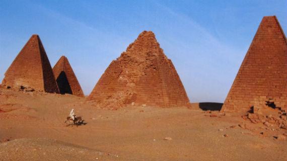 Nubische Pyramiden. Bild: PHOENIX/SWR/Lorenz