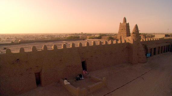 Während der Glanzzeit Timbuktus erbaute der berühmte andalusische Architekt Abu Isa Essaheli dort die Djingareyber-Moschee - ausschließlich aus Lehm. Bild: ARTE F