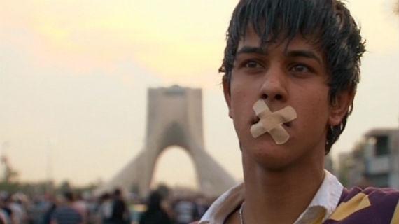 Der Aufruhr der iranischen Jugend, die im Juni 2009 als Erste ein Zeichen gesetzt hatte, ist vorerst erstickt worden. Bild: ARTE F / © Manon Loizeau