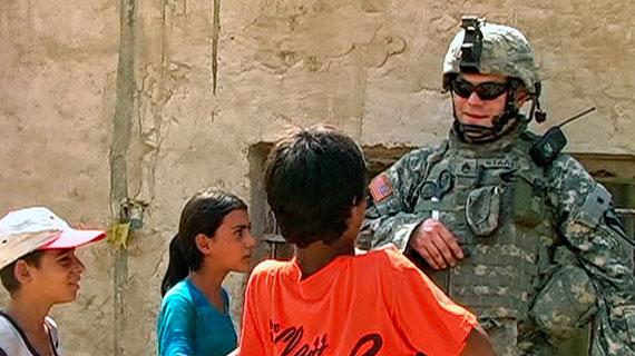 Amerikanische Soldaten der 1st Armored Division auf Abschiedstour in Bagdad. Bild: SWR