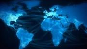 """Für mehr als 800 Millionen Menschen weltweit gehört Facebook zum Alltag. Auch jeder vierte Deutsche ist """"drin"""". Facebook machte damit im Jahr 2011 geschätzt mehr als vier Milliarden US-Dollar Umsatz. """"Unsere Mission ist es, aus der Welt einen besseren Ort zu machen, indem wir offener und vernetzter werden"""", so der 27-jährige Firmengründer Mark Zuckerberg in einem Exklusiv-Interview für die Dokumentation """"Facebook – Milliardengeschäft Freundschaft"""". Doch hinter dem so nützlich scheinenden sozialen Netzwerk steckt auch der derzeit aggressivste Datensammler im Internet. (Bild: PHOENIX/NDR)"""
