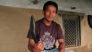 Santosh Gurung will Gurkha-Krieger werden. Der Kukri-Dolch ist das Symbol der Elite-Kämpfer. (ARTE D / © Medienkontor FFP)