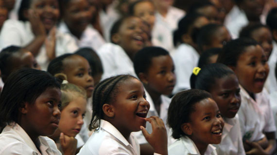 Begeistertes Publikum bei einer Aufführung in Mthatha am Eastern Cape. Bild: NDR / © NDR/Ralf Pleger