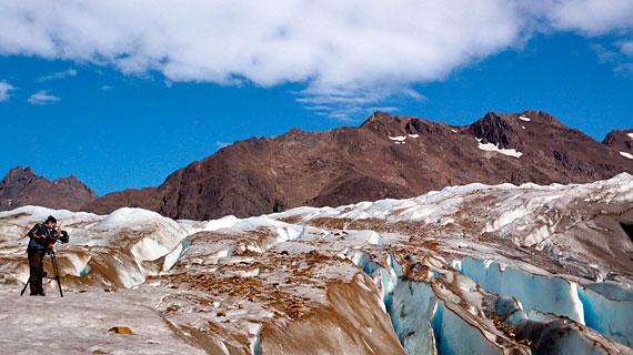 Sonnenglut - die globale Klimaerwärmung bringt auch die gewaltigen Gletscher im patagonischen Inland zum schmelzen. Bild: PHOENIX/ZDF/Michael Gregor