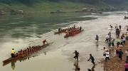 Drachenboote beim Rennen auf dem Mekong. Bild: PHOENIX/ZDF/ARTE/Li Xiaoshan